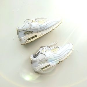 White / Cream Nike Max Air Sneakers size 7